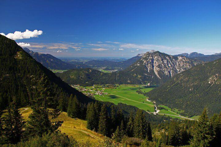 Gipfelblick Vom Almkopf Richtung Heiterwang