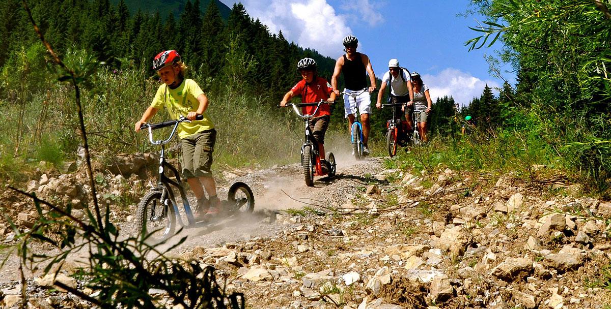 Roller-Verleih-Berwang-Bichlbach-mit-Kind-Abenteuer